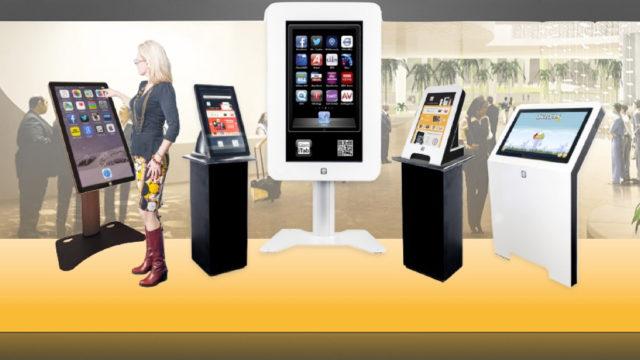 Smartphone geant Mediakwest.001.jpg