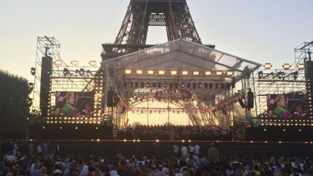 Audience_Eiffel_PRESS.jpg