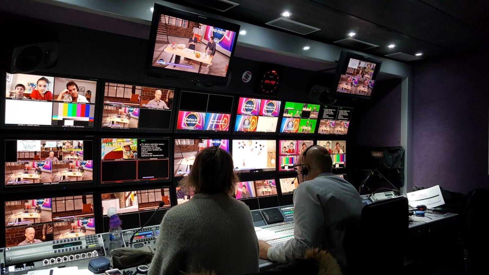 La régie de remote production installée dans le studio 107 © DR