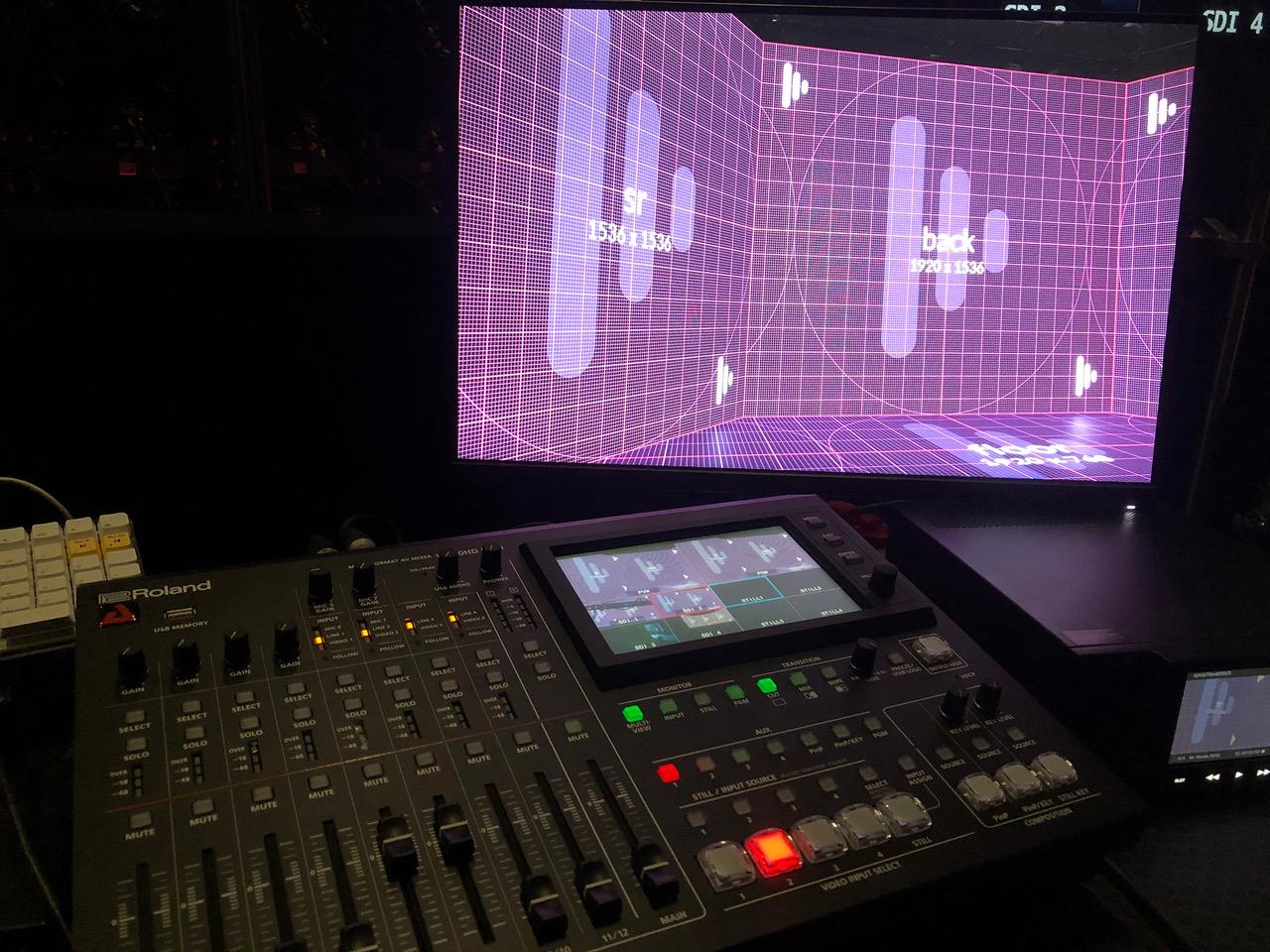 Le groupe AED a choisi le Mélangeur AV multiformat VR-50HD MKII et le Convertisseur VC 1DL Roland © DR