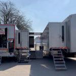 AMP VISUAL TV connecte ses deux cars-régies Millenium pour un match de Ligue des Champions PSG-Barcelone © DR