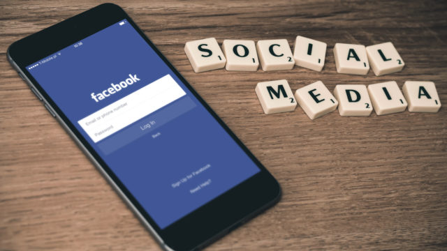 Publicité : Les chaînes de TV sur le déclin d'ici 2023 au profit des réseaux sociaux © Photo by Firmbee.com on Unsplash